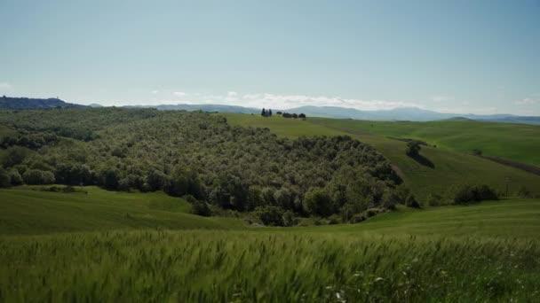 Wunderschöne Landschaft mit der Vitaleta-Kapelle. toskana, italien. Allgemeiner Plan