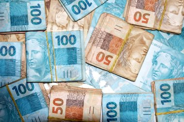 Brazilian real packages with new 50 and 100 notes