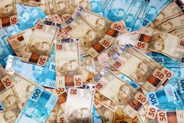 Brazilian banknotes in various amounts