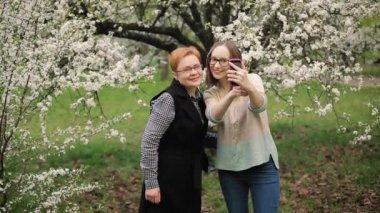 Ältere Mütter Selfies