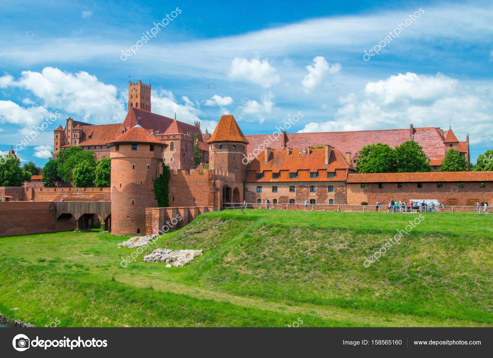 slottet befästningar av tyska orden i malbork från öst. malbork
