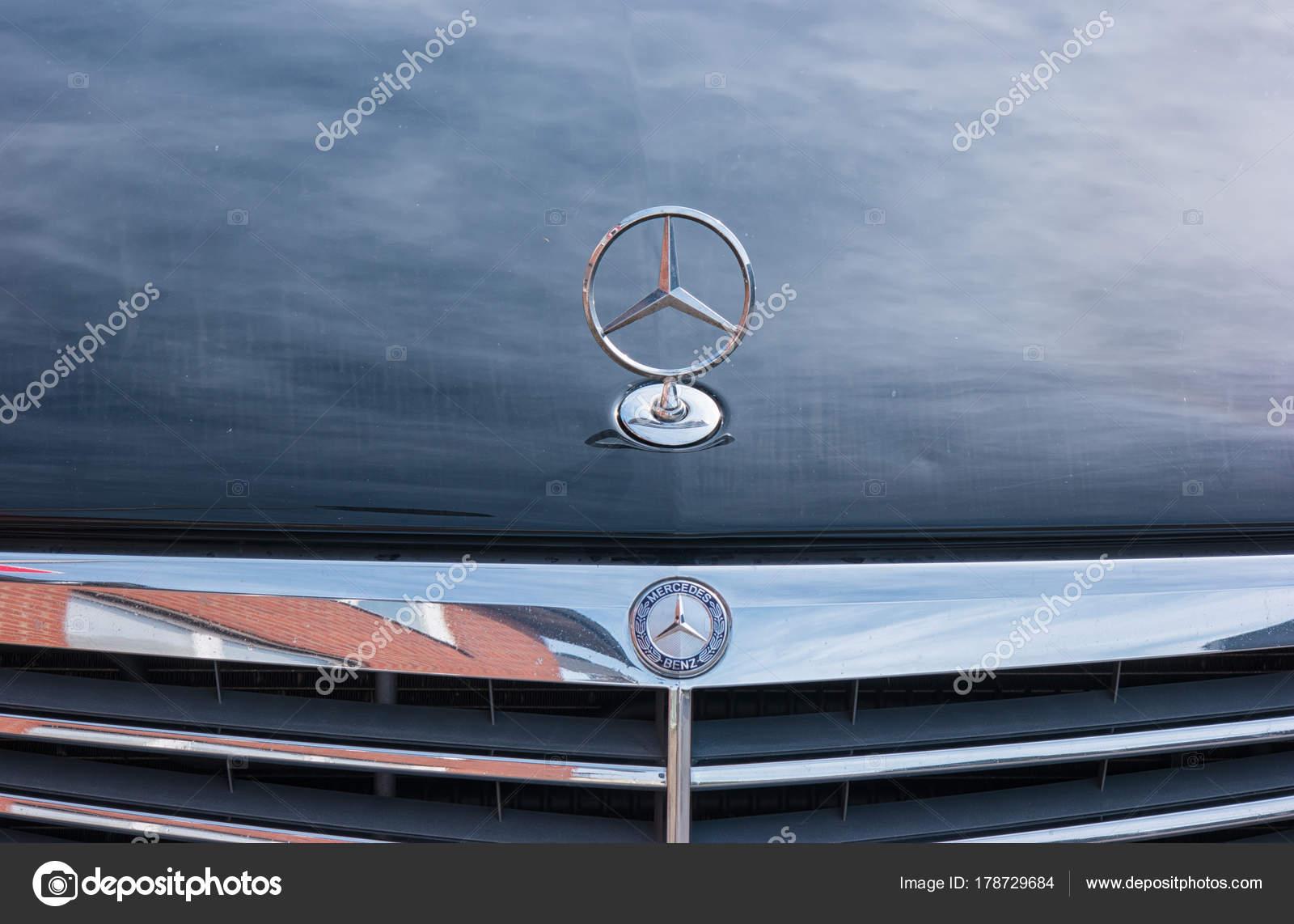 fb60e91218 Mercedes Benz logo star on a car – Stock Editorial Photo ...