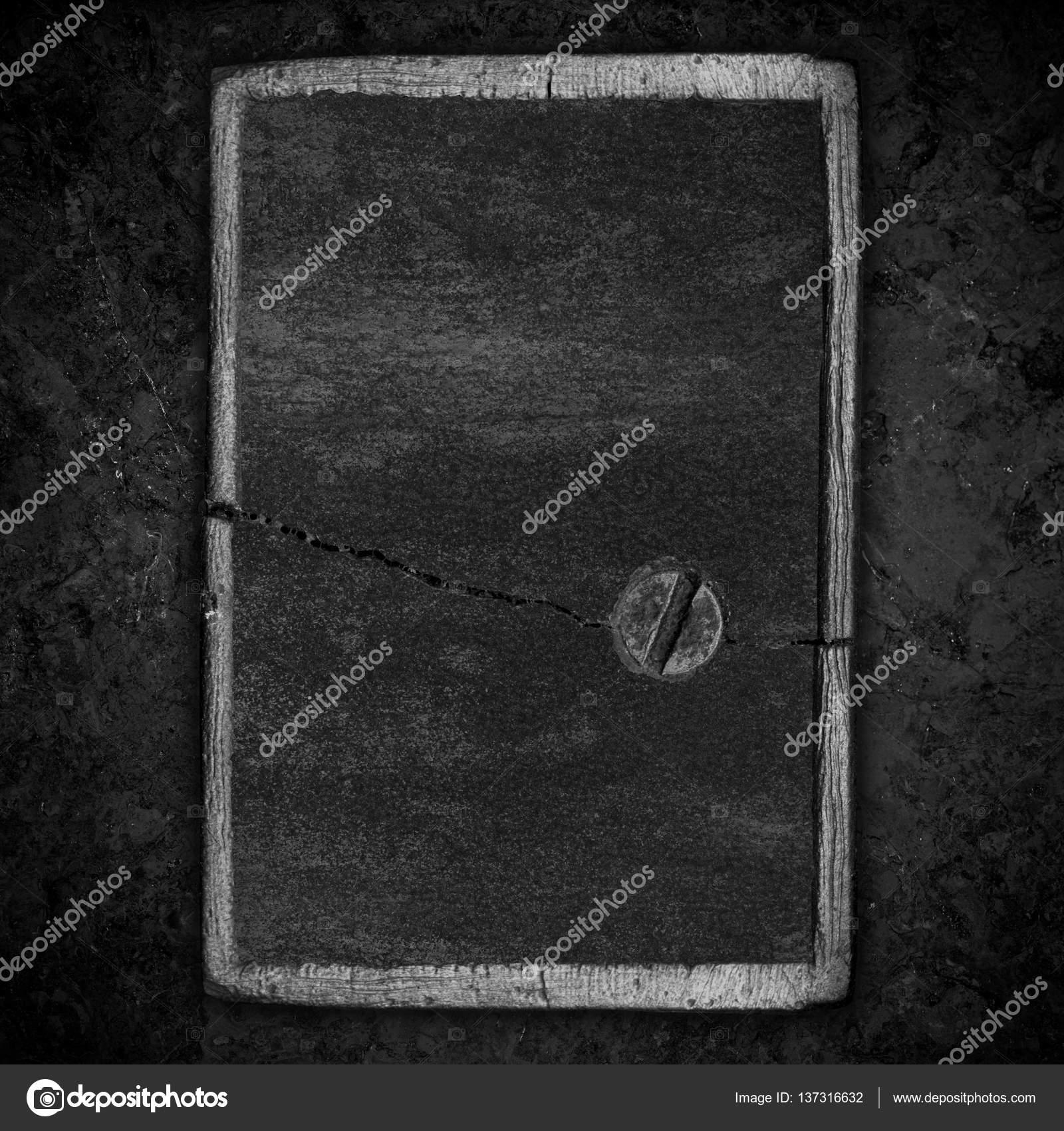 marco de acero con placa agrietada — Fotos de Stock © Miro-Novak ...