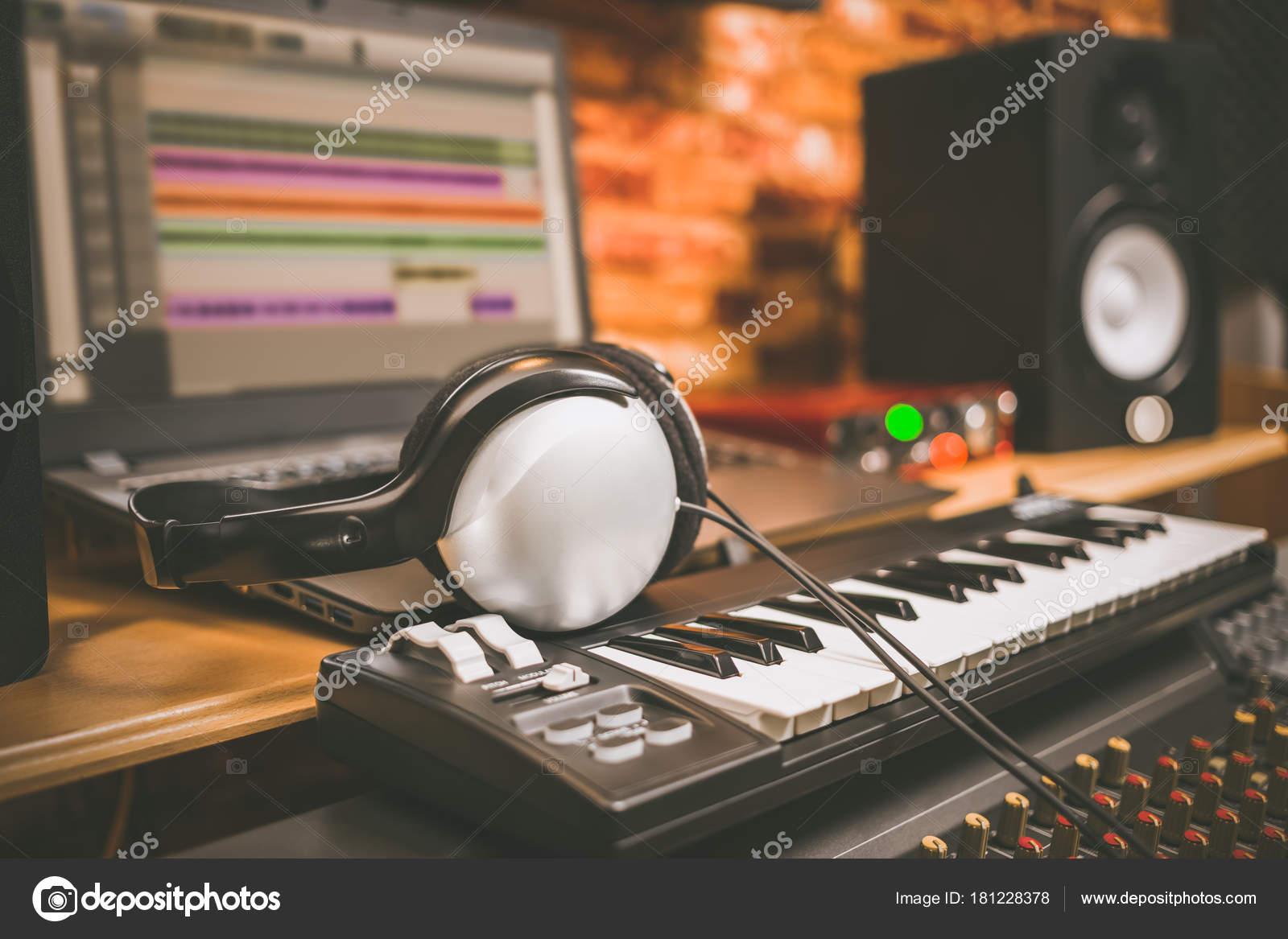 Computer Music Home Studio Equipment Headphone Midi Keyboard