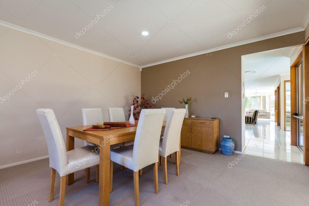 Zona pranzo e soggiorno foto stock zstockphotos 124885082 for Zona pranzo design
