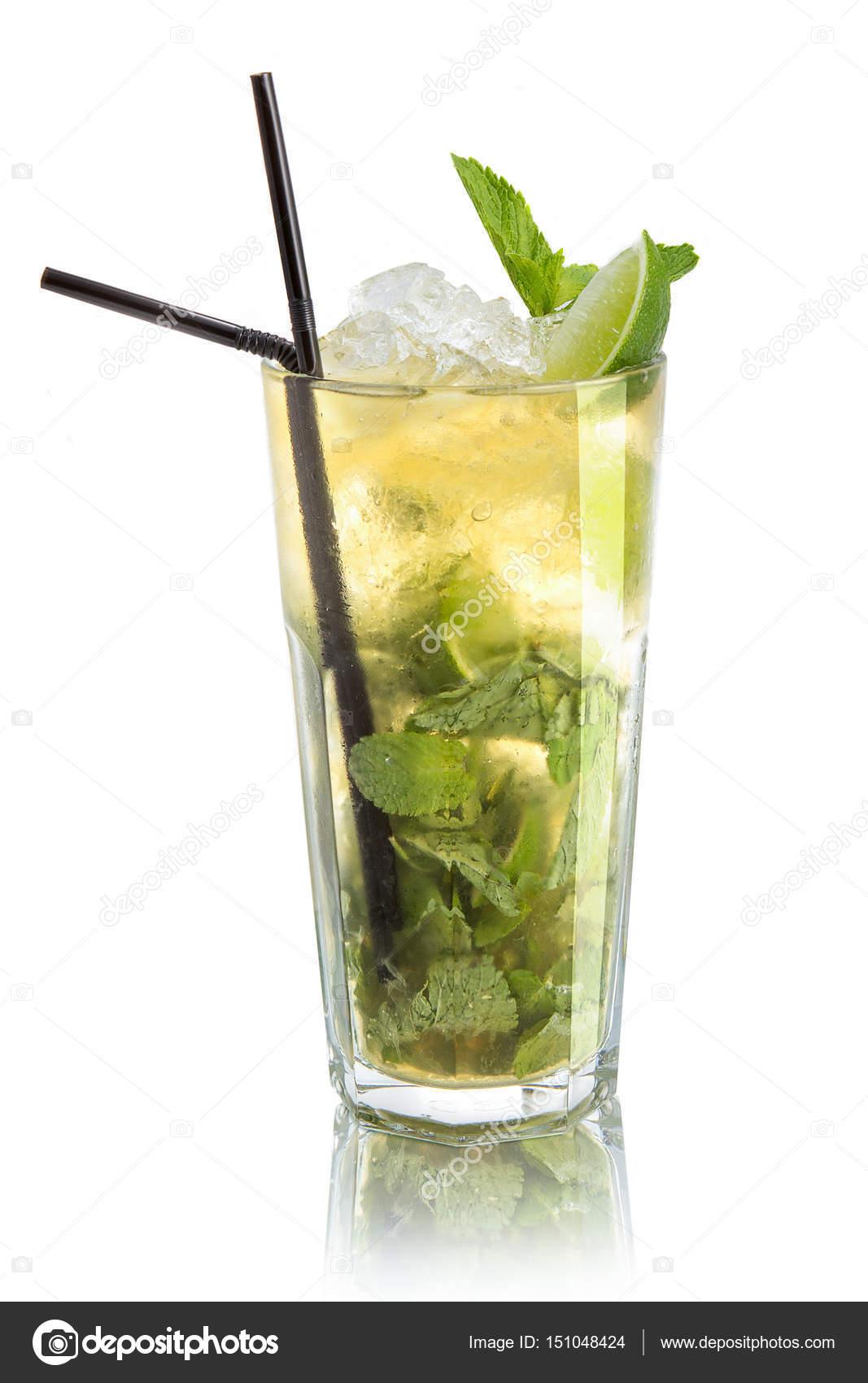 mojito cocktail dans un verre haut photographie danilsneg 151048424. Black Bedroom Furniture Sets. Home Design Ideas
