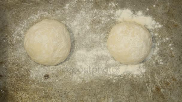 Kvas těsto pizzu a chléb