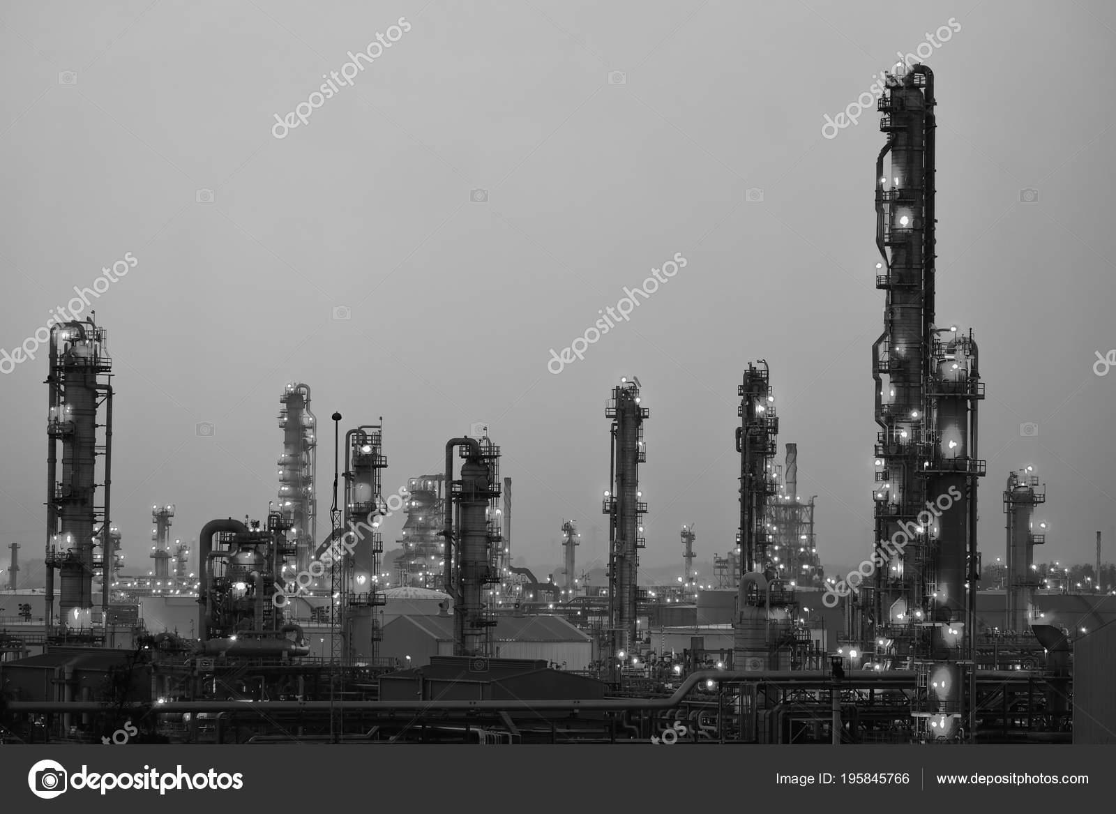 Illuminazione glitter industriale con torretta distillazione