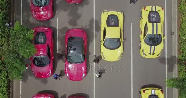 Sportovní auto v řadě