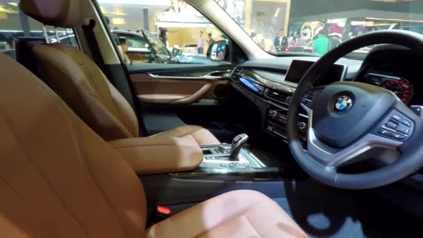 Luxusní interiér vozu Bmw
