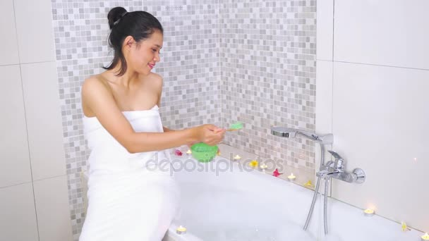 Pretty Woman Vasca Da Bagno : Hotel pretty woman finest stock photo young pretty woman at