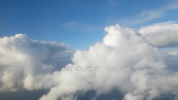 Video záběry cloudscape z okna letadla