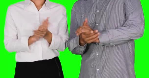 Podnikatelé poskytující tleskat rukama
