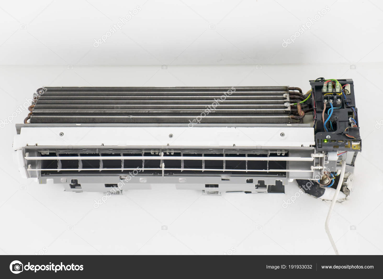Old air conditioner with broken electrical wiring — Stock Photo ...