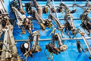 Mechanic tools to repair car doors