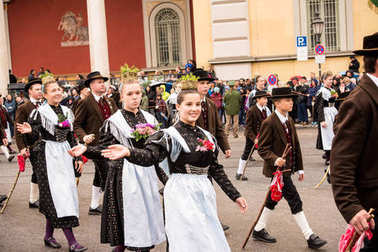 Scenes of the Typical dress parade at the Oktoberfest