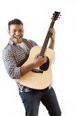 ember gitározni