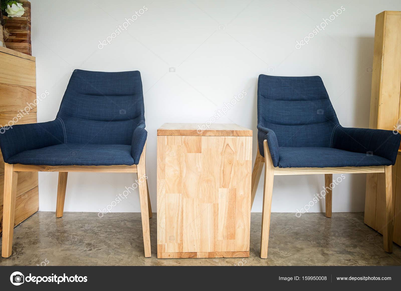 Cafe Wnętrze Wolna Niebieskie Krzesła W Kawiarni I Stół