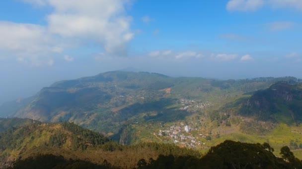 Čajové plantáže. Liptons seat. Letecké záběry. Přírodní pozadí sondu. Srí Lanka