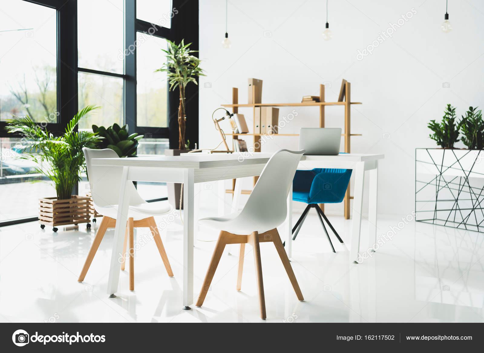 kantoor interieur — Stockfoto © AlexNazaruk #162117502