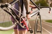 cyklista kolo hospodářství