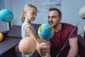 Lány találat apa modell a föld