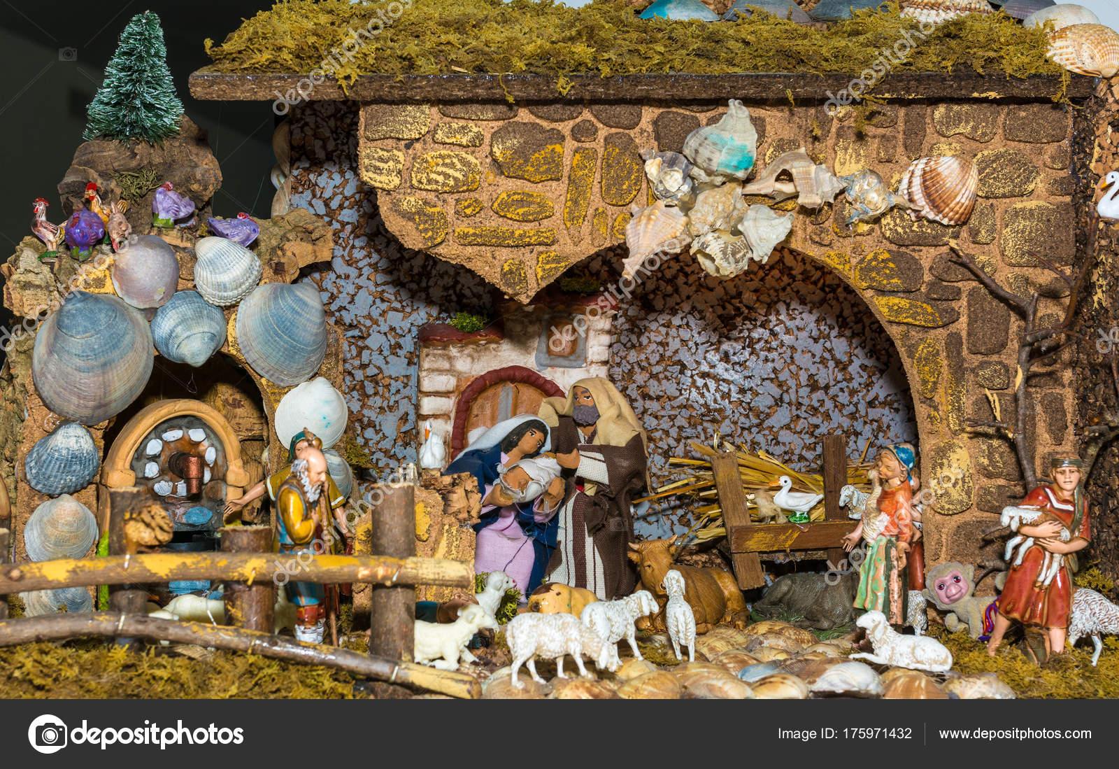 Presepi Di Natale Originali.Presepe Di Natale Rappresentata Con Statuette Di Maria