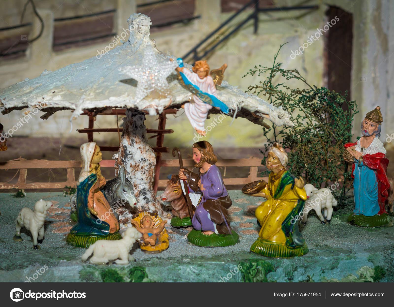 Foto Del Presepe Di Natale.Presepe Di Natale Rappresentata Con Statuette Di Maria