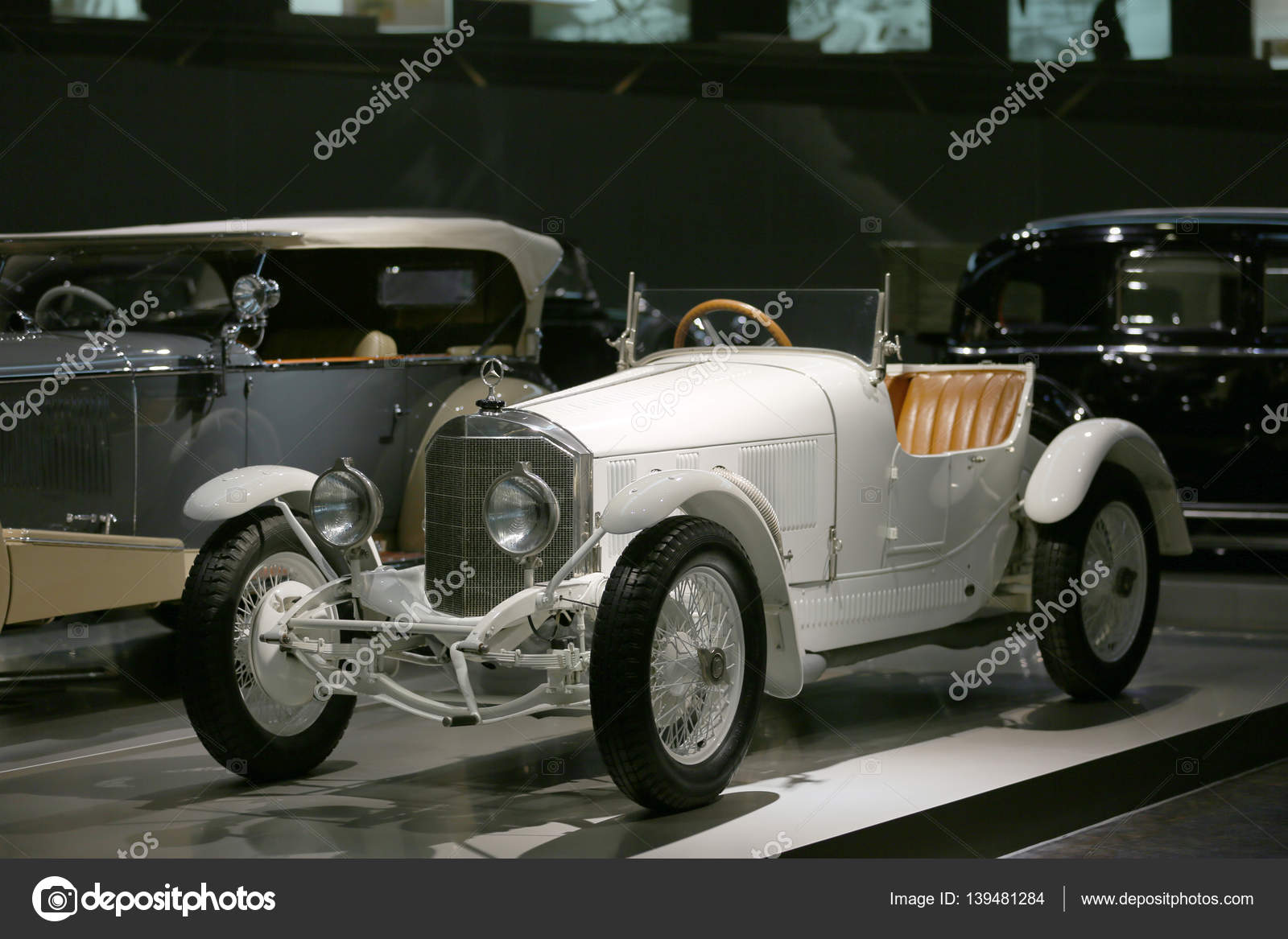 Old and new cars – Stock Editorial Photo © bodrumsurf #139481284