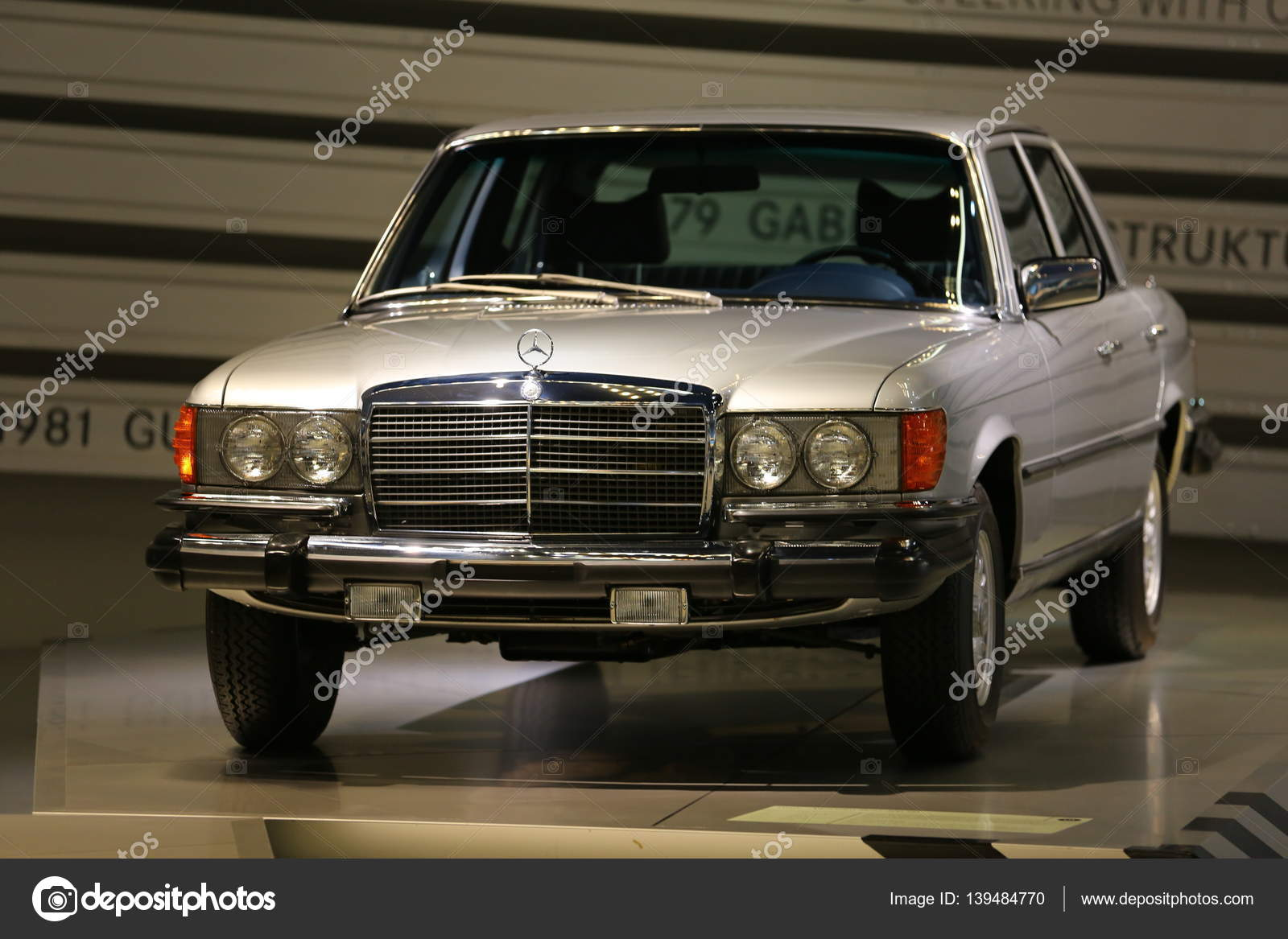 Old and new cars – Stock Editorial Photo © bodrumsurf #139484770