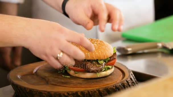 Lahodné gurmánské jídlo je dána dotváří šéfkuchařem v restauraci