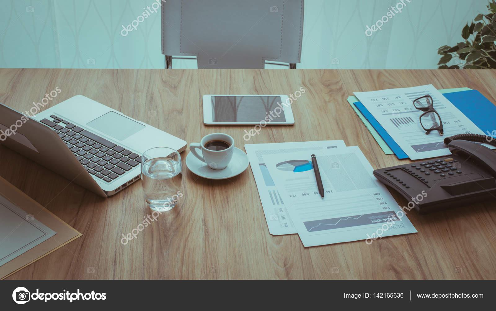 firemní kancelář interracial seznamka philadelphia