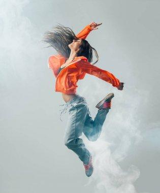 Dynamic modern style performer