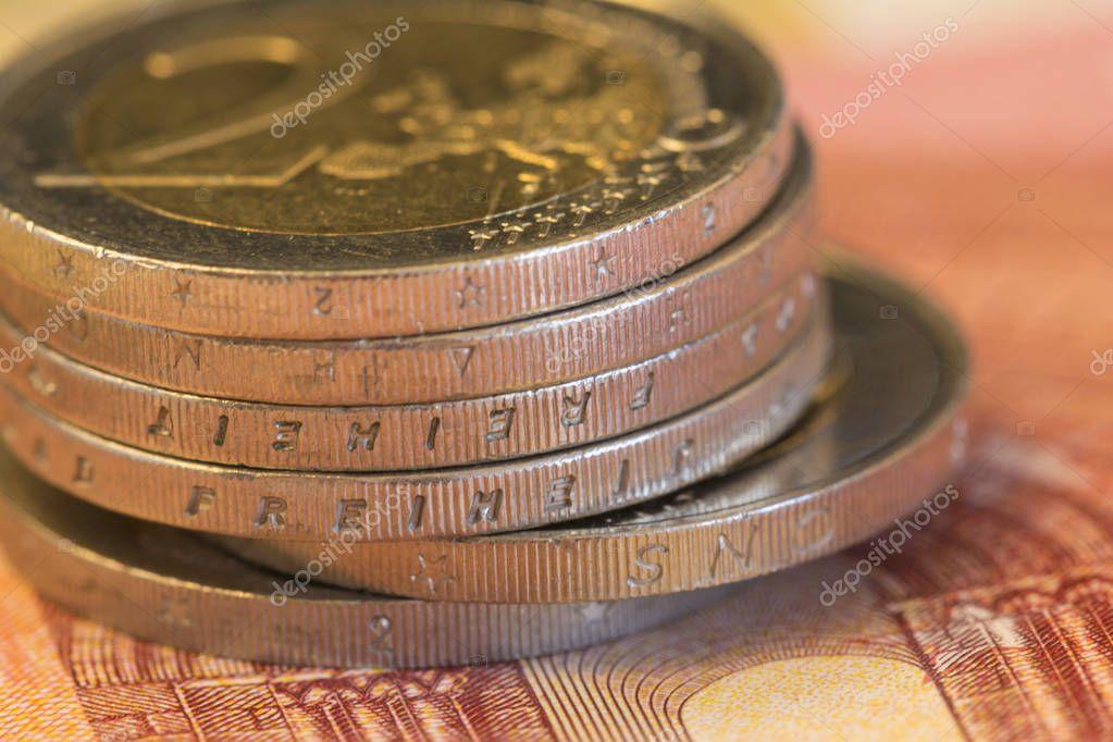 Nahaufnahme Von 2 Euro Münzen Stockfoto Tbtb 130263852