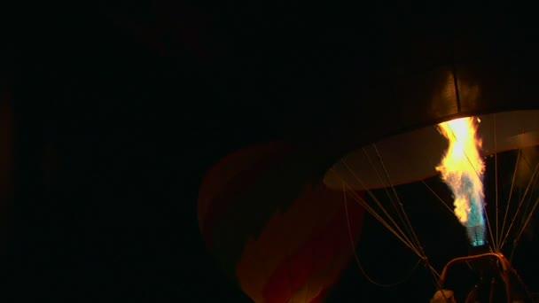 Ballonnen Met Licht : Ballonnen licht de nacht en jet van vlam zoals ballonnen zijn gevuld