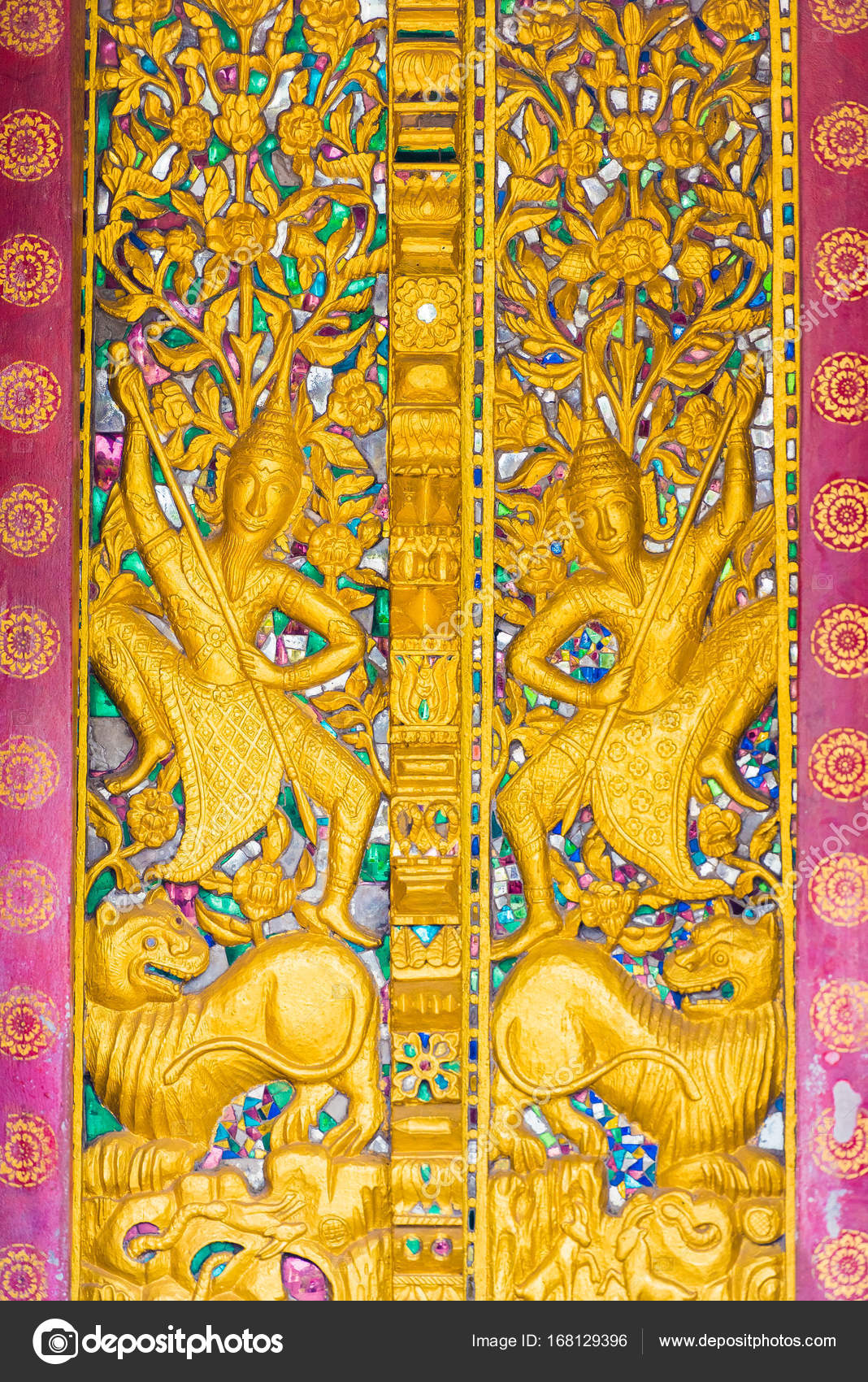 Bas-relief on the wall of the temple Wat Sensoukaram in ...