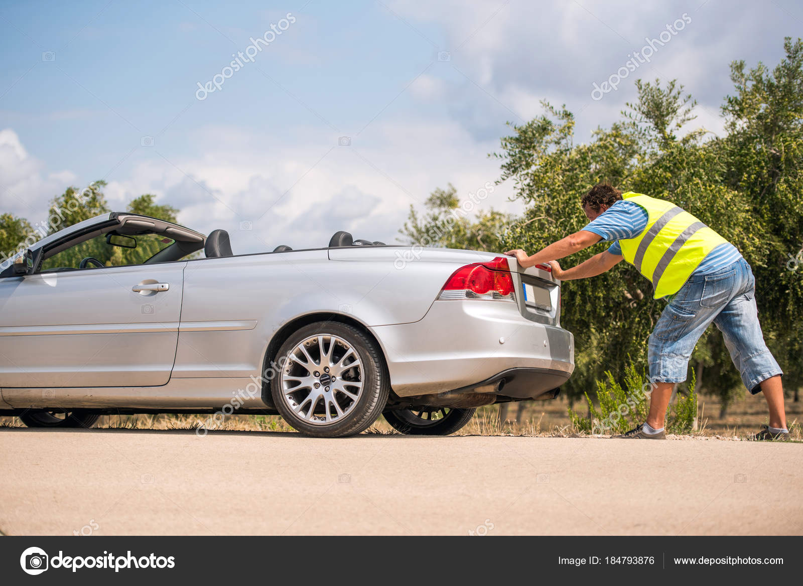 Car Broke Down >> The Car Broke Down On The Road The Man Pushes The Car