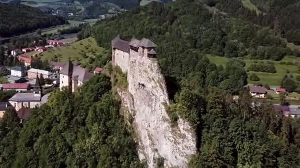 Létající kolem Oravského hradu, Slovensko.