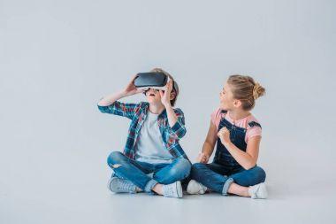 kids using virtual reality headset