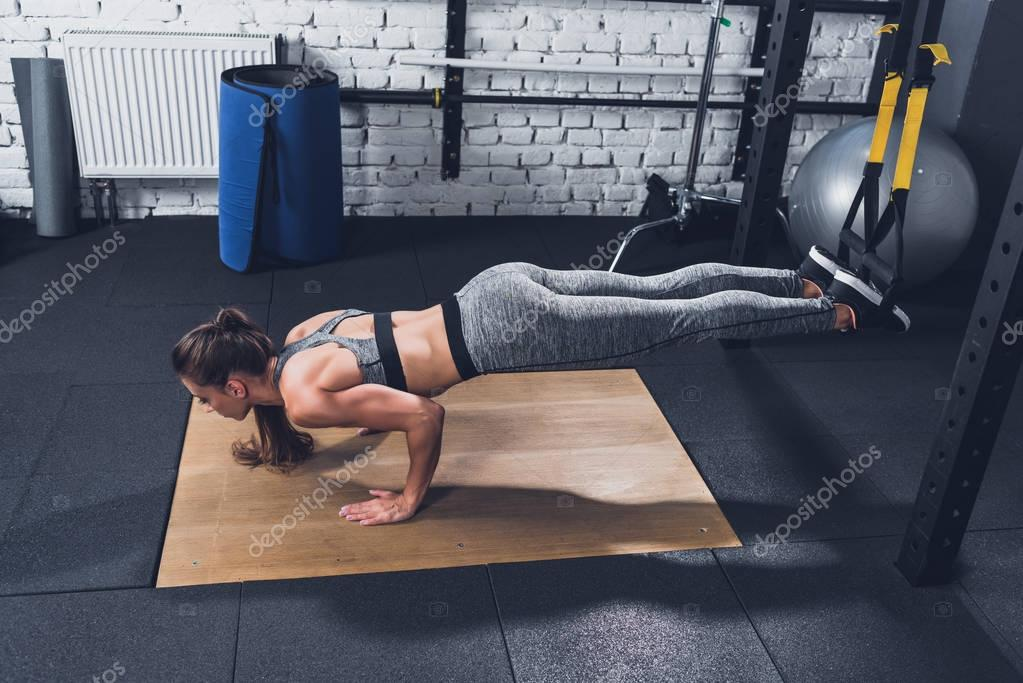 woman doing resistance bands Training