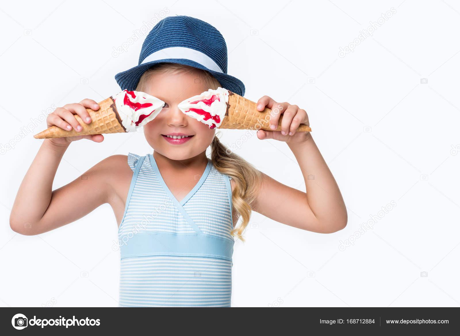 Zwembroek Kind.Kind In Zwembroek Met Ijs Stockfoto C Alebloshka 168712884