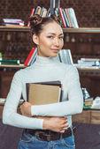 Fotografie krásná asijská studentka