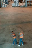 Fotografie pracovníci skladu