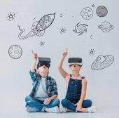 Děti pomocí virtuální reality sluchátka