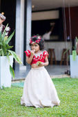 sri lankan child in traditional dress