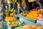 trópusi gyümölcsök, a piacra
