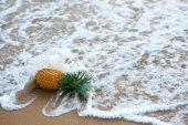 ananász csökkent ocean wave