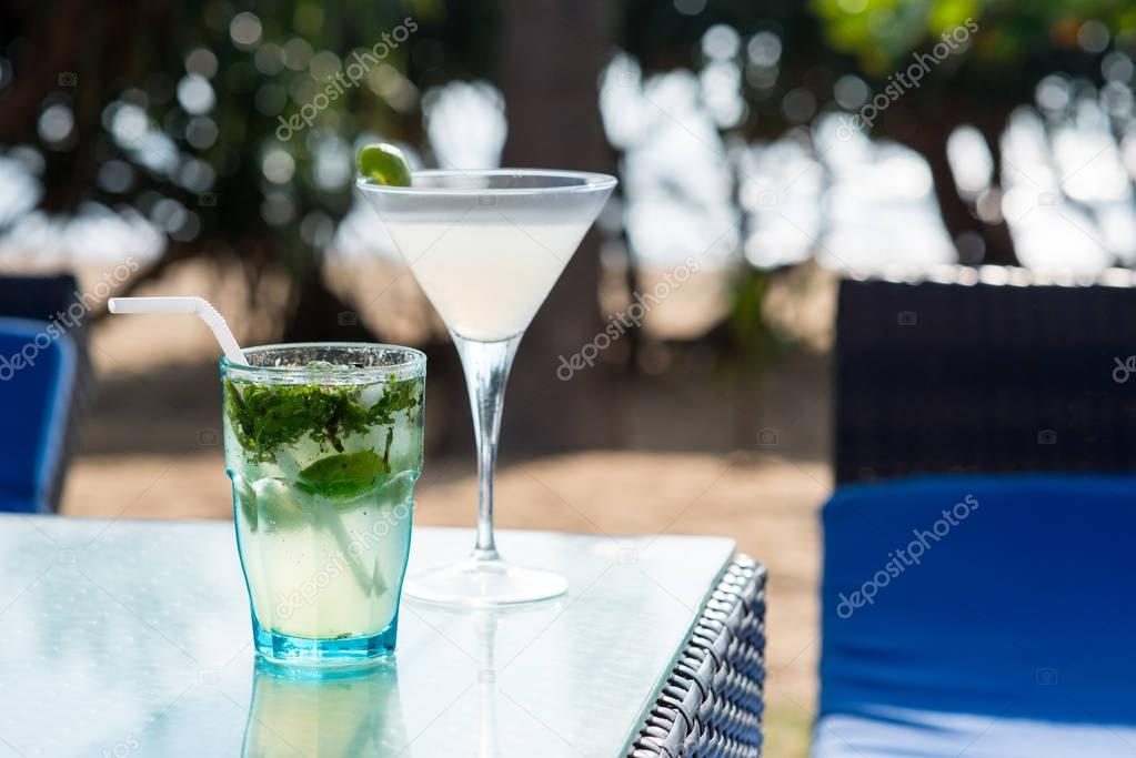 margarita and mojito cocktails