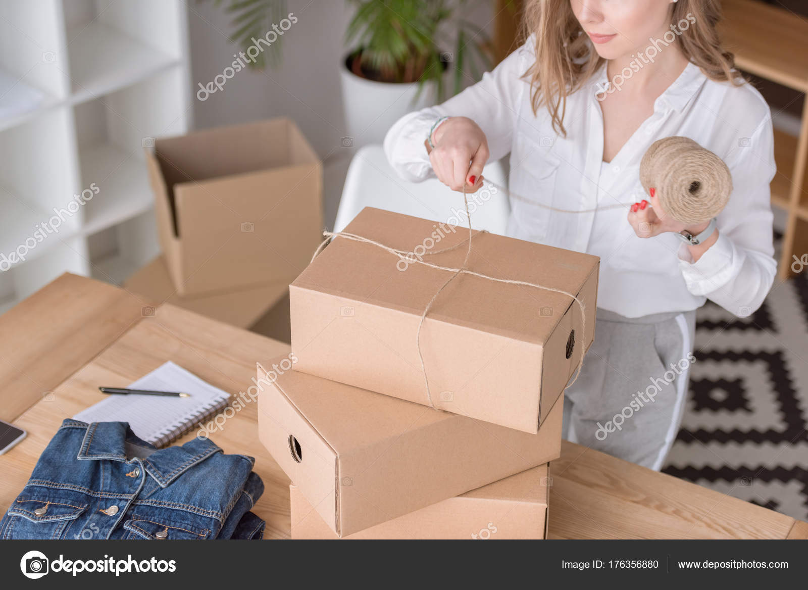 kartons kaufen. Black Bedroom Furniture Sets. Home Design Ideas