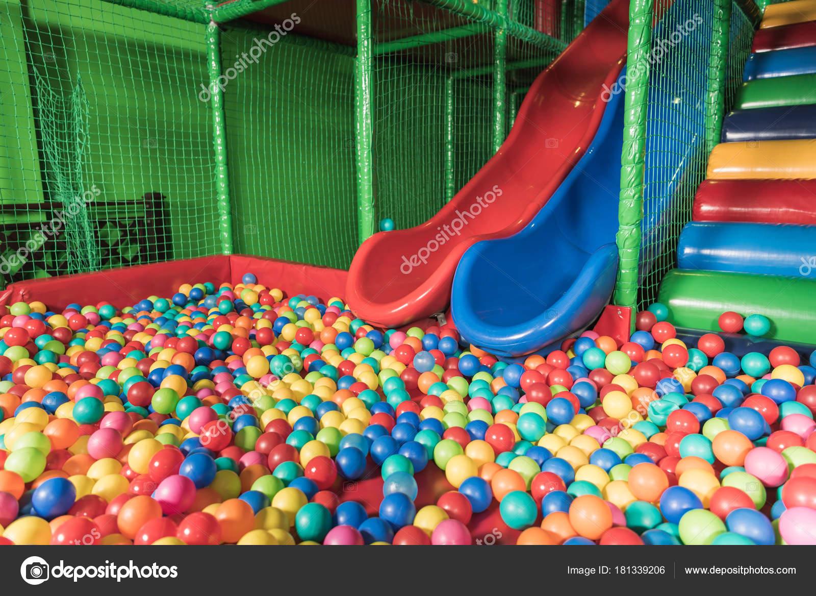 Россия казань августа 2017 фасад слайды центр семья казань главный.